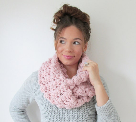 ... Infinity Scarf Chunky Cowl - The Cobblestone - in Blush Heather