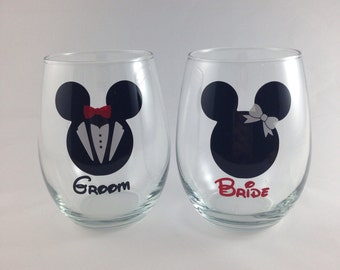 items similar to personalized mickey minnie kissing