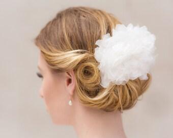 Bridal hairpiece silk flower fascinator wedding headpiece chrysanthemes white