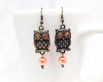 Owl earrings, Brown owl, owl with orange eyes, metal brown owls, brown owl earrings, vintage looking owls, owls with pearls, owl jewelry