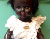 Antique Doll Unbranded with vintage and beatifull clothes and necklace