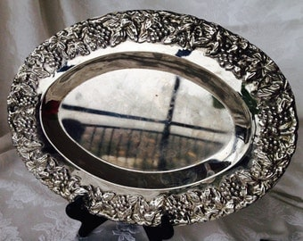 Silver tray, oval, with grape design