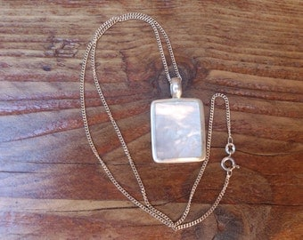 sterling silver mother of pearl pendant and chain