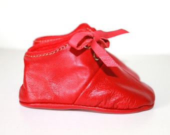 3-6 Months Slippers / Baby Shoes Lamb Leather RED