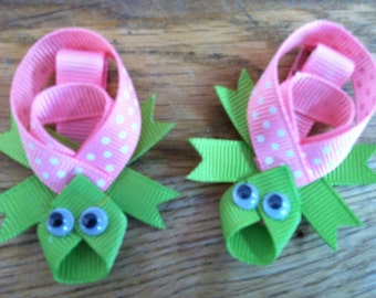 Pink turtle hair clip