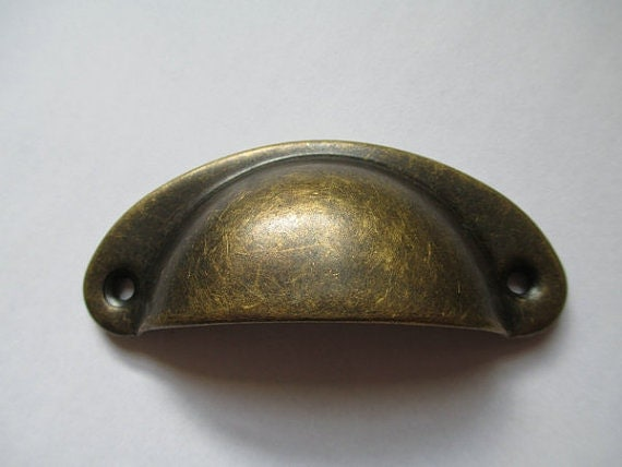 Dresser pull drawer pulls handles knob rustic cup antique for Antique knobs for kitchen cabinets