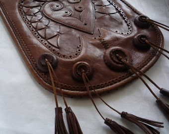Guate Flat Leather Tasseled Purse