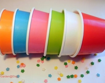 100 Medium Ice Cream Cups - Your Choice of Color - 12 oz