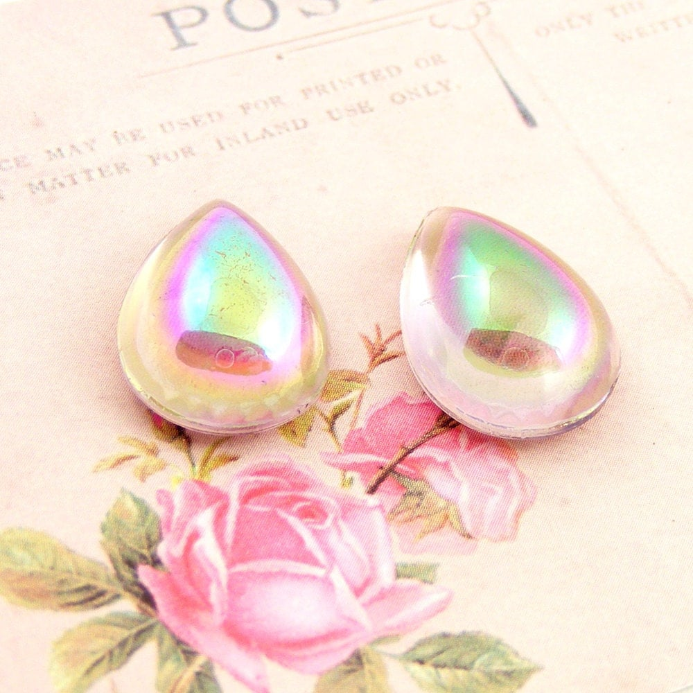 Vintage Light Amethyst AB Pear Bombe Cabs, Magnifying Cabochons, 18x13mm (2)