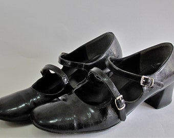1970s patent leather Mary Janes
