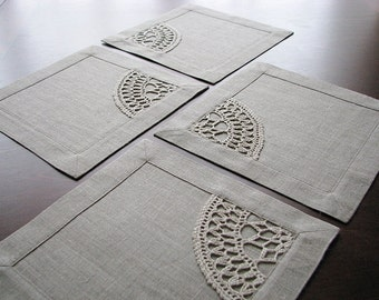 Set of 4 linen table napkins- square tablemat- table cover with hand crocheted applique- OOAK gift- mini placemat- maxi coaster