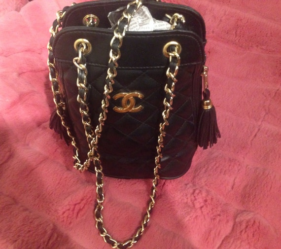 Vintage cc gold logo chanel quilted black chain link by for I see both sides like chanel shirt
