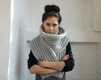 Long scarf. long scarf knit. mens long scarf. extra long scarf. super long scarf. chunky long scarf. light grey scarf. chunky grey scarf