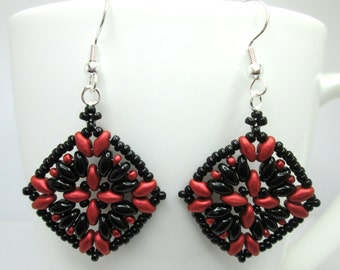Black and red super duo earrings, gothic earrings, black earrings, superduo earrings, statement earrings, ER006