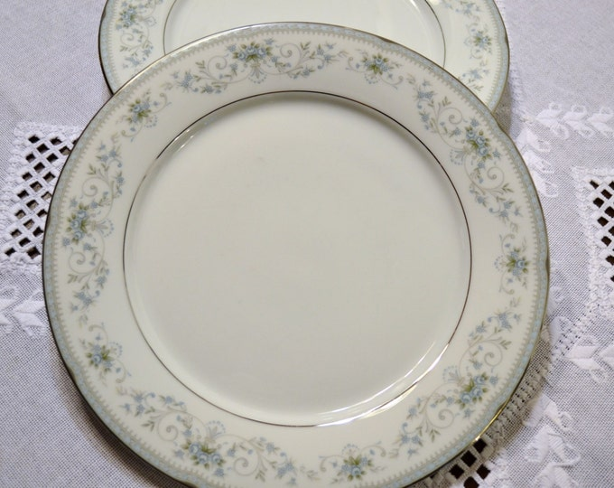 Vintage Noritake Colburn Dinner Plate White Blue Floral Replacement PanchosPorch