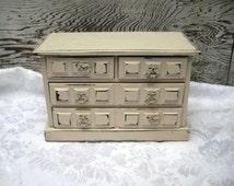Shabby jewelry box, Musical jewelry box, ivory distressed music box, dresser jewelry box