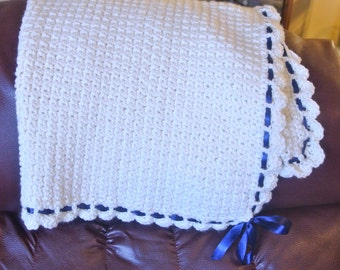Baby blanket with ribbon
