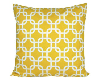 Pillowcase graphic pattern GOTCHA 40 x 40 cm yellow white