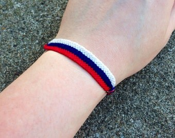 The Russian Flag Friendship Bracelet
