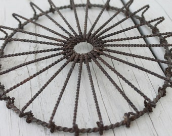 Antique Twisted Wire Spoke Round Trivet Farmhouse Decor