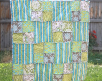Custom Rag Quilt- Crib Quilt- Choose your own colors- Baby quilt by Elliebug Quilts - MADE TO ORDER