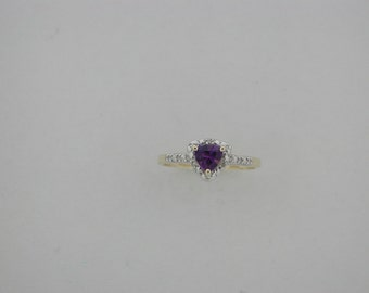 Genuine Amethyst Diamond Ring 10kt Yellow gold