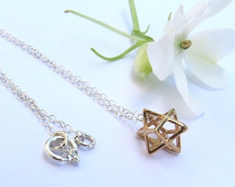 tiny star necklace, Merkaba necklace, tiny star pendant, 3D Star of David, Kabbalah, dainty, fine jewelry
