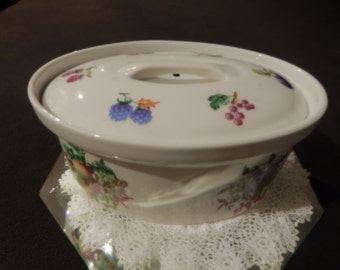 FRANCE CASSEROLE DISH  with Lid