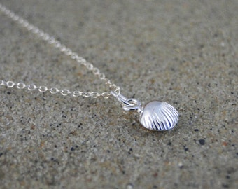 """Sterling silver clam shell necklace """"Seashell"""""""