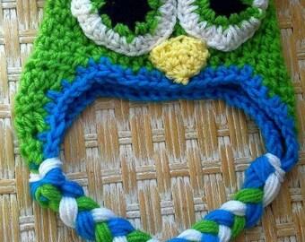 Green pom pom owl  hat