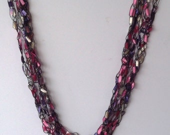 Lily ladder trellis necklace
