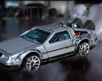 Customized Hotwheels Delorean Time Machine from Back To The Future 1:64 scale