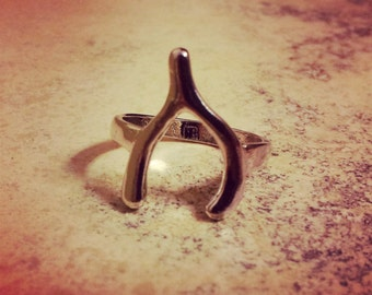 SALE: Vintage Style Lucky Wishbone Wish Bone Ring - Silver - The ULTIMATE Good Luck Charm