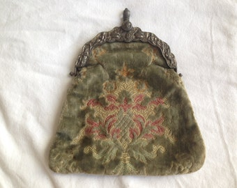 Antique Victorian VELVET Tapestry Purse, Metal Repousse Closure
