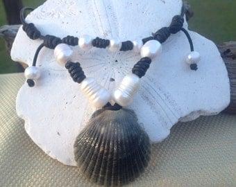 Funky design Black Scallop seashell necklace