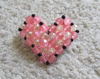 Heart-shaped bead pink & clear crystal broach