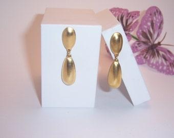 Vintage Gold Teardrop Earrings