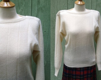 Vintage Off white Angora Blend Sweater from Loo & Boo with Boat neck Made in Hong Kong, Size M 1980s 1990s