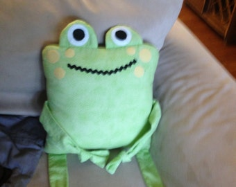 Frog pillow green