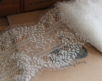 3yards Exquisite Wide Black Chantilly lace , ivory Eyelash Lace Trim Width 11CM Sell By Yard( More than 3 yards is not continuous)