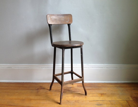 Vintage Industrial Bar Stool by HejaHome on Etsy : il570xN613707934ma2o from www.etsy.com size 570 x 442 jpeg 36kB