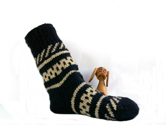 Mens wool socks. Chunky hand knitted hiking socks dark by FlySheep