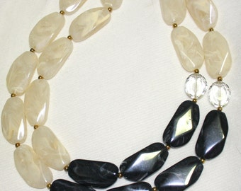 Statement twilight black and white  gold  tone elegant necklace New Exclusive