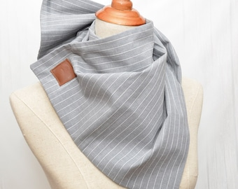 Cotton Scarf. Scarf with magnet clips. Chunky Scarf. Natural Cotton. Light striped grey.