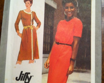 Jiffy Pattern Lady's Dress size 12. Simplicity 9368, 1980. Slim, Double-Breasted style.  FREE US SHIPPING!