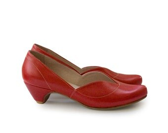 Red Pumps, red shoes, women shoes, leather  handmade shoes, heels, wedding shoes, classic shoes. Cate model.