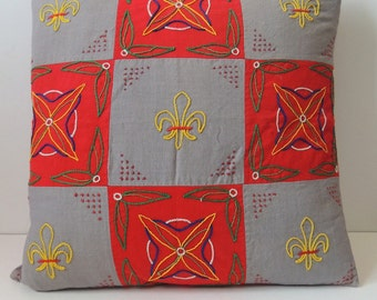 lovelyl vintage hand embroidered square pillow cover with fleur de lis pattern