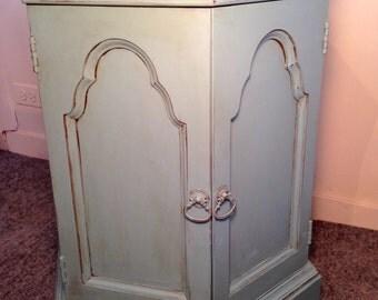 CAROL / painted side table / storage