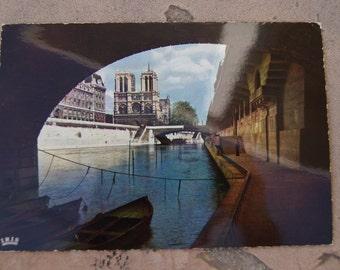 Vintage 4 x6 Postcard Paris 536 - Promenade Sous Les Ponts Unused