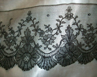 """1 yd. 17"""" hand done black chantilly  lace 4"""""""